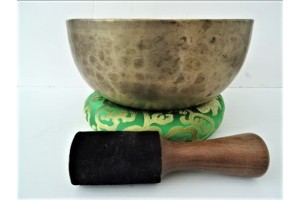 25 cm Old Hammered Singing Bowl
